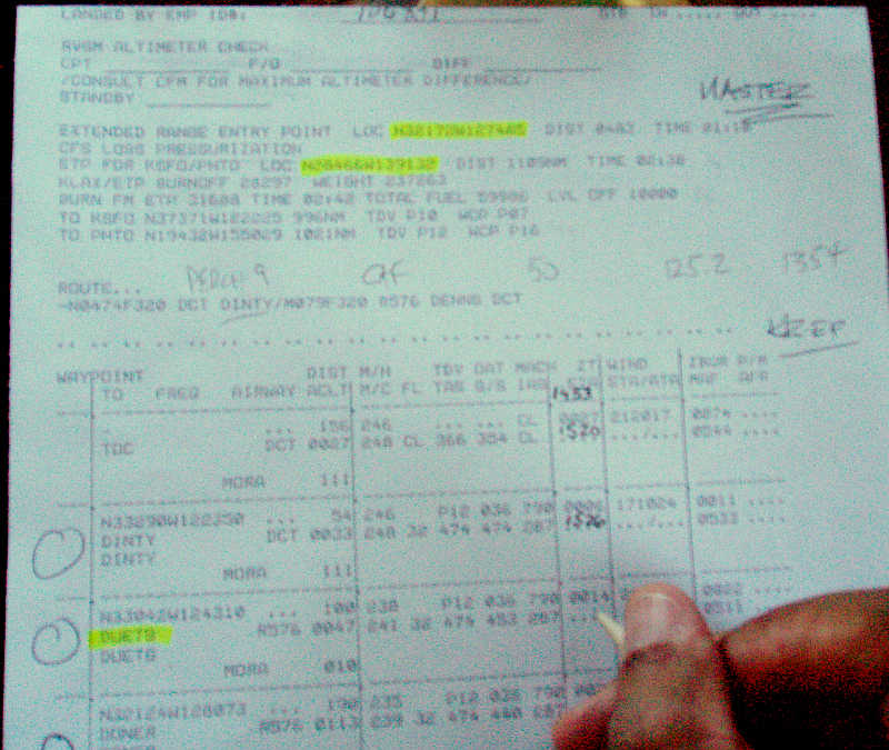 Writing ETAs on flight plan, 757 pilot, 767 pilot, international jetliner crew