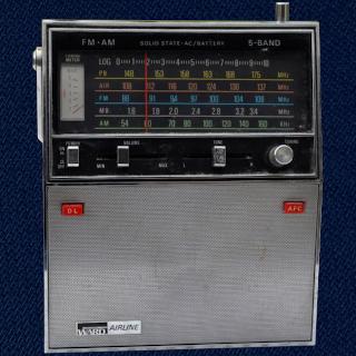 Montgomery Ward Airline GEN-1461A 5 Band radio