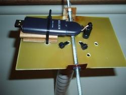 F5D7050 dengan kabel dan antena eksternal wi fi melekat